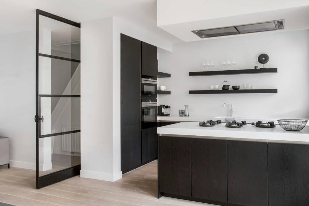 Amstelveen:  Keuken door Mariska Jagt Interior Design, Modern