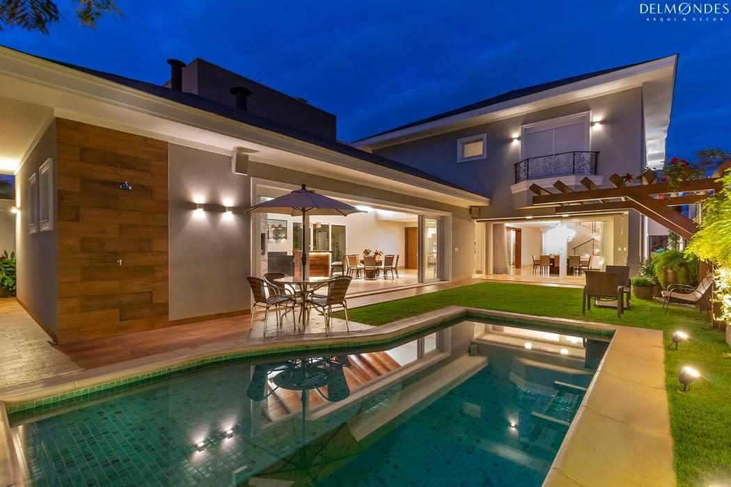 Piscinas de estilo clásico de Delmondes Arquitetura e Interiores Clásico