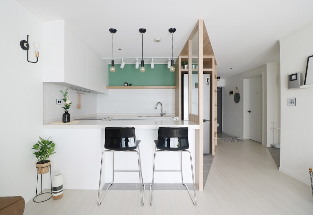 Kitchen by 스튜디오쏭 (STUDIO SSONG),