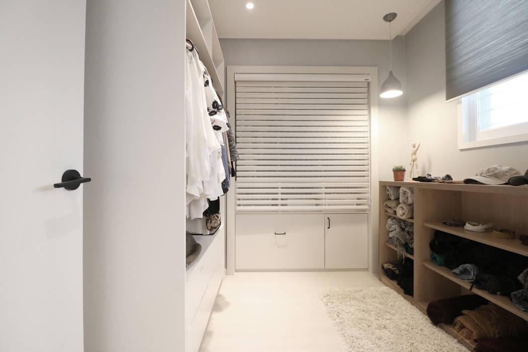 드레스룸: 스튜디오쏭 (STUDIO SSONG)의  드레스 룸