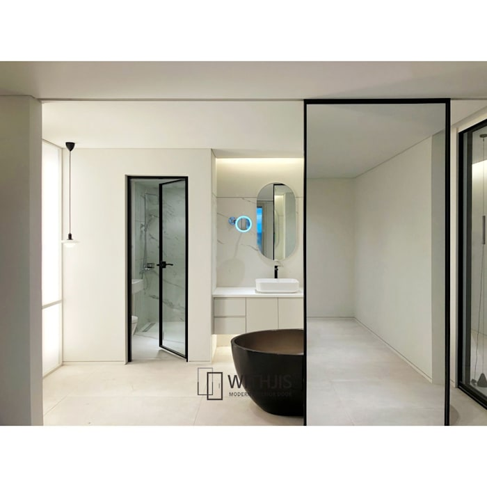 Moderne Badezimmer von WITHJIS(위드지스) Modern Aluminium/Zink