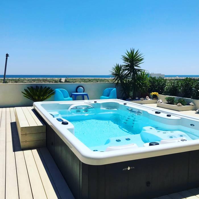 Гидромассажная ванна в . Автор – Aquavia Spa,