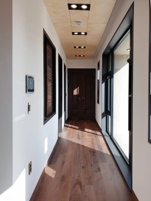 Modern Corridor, Hallway and Staircase by 성종합건축사사무소 Modern