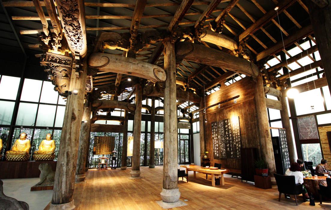 由這角度可以看出閩式建築帶有的的古典高雅之美 by 台中室內建築師|利程室內外裝飾 LICHENG Asian