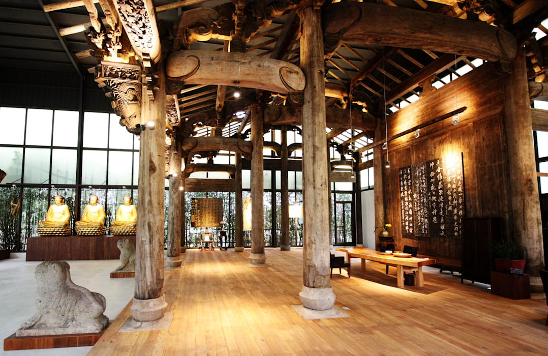 重新鋪設的木質地板搭配整體空間 by 台中室內建築師|利程室內外裝飾 LICHENG Asian
