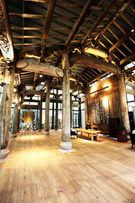古厝建築高度至屋頂脊背處高達7米 by 台中室內建築師 利程室內外裝飾 LICHENG Asian