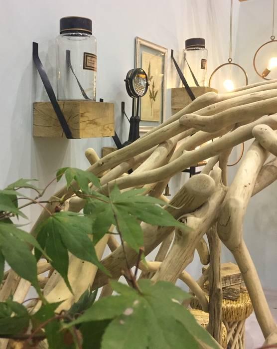 Pormenor dos magnificos cadeirões: Jardins de Inverno  por Margarida Bugarim Interiores