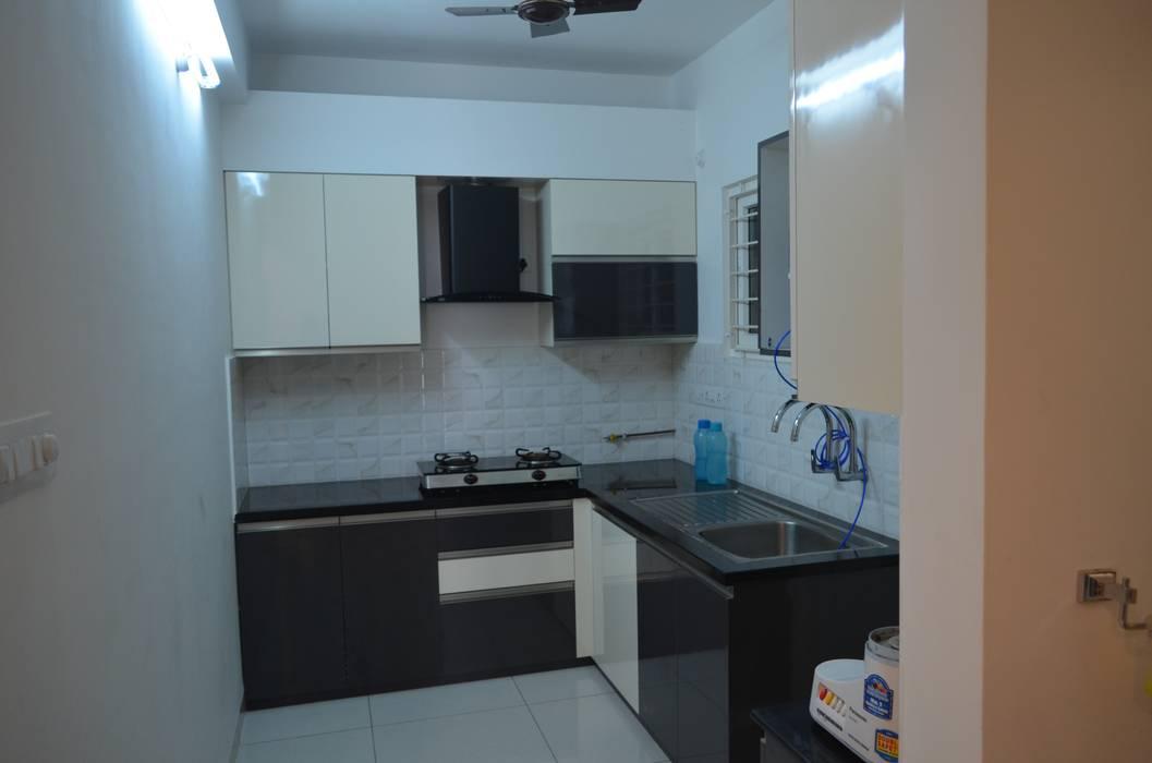 :  Kitchen by Vdezin Interiors