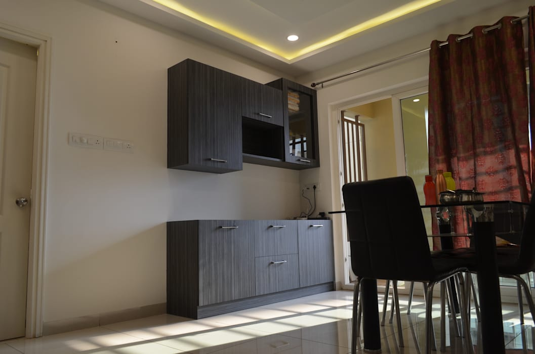 :  Dining room by Vdezin Interiors