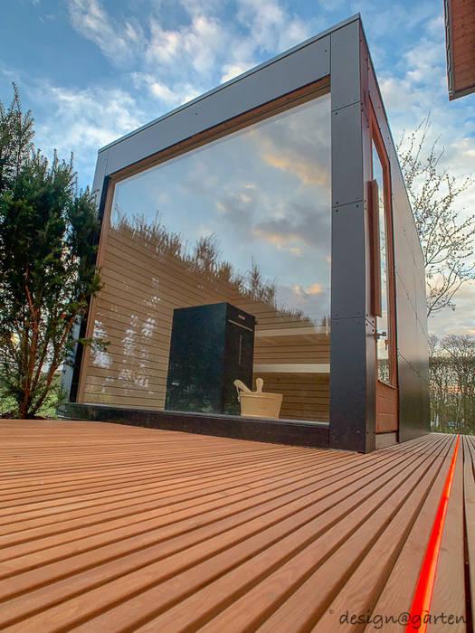 Design gartensauna mit panoramaverglasung. innenansicht, finnische ...