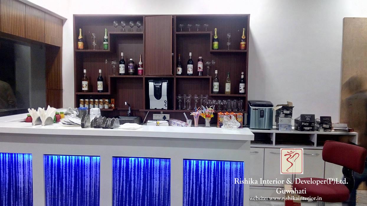 Bar area by Rishika Interior & Developer (p) Ltd. Modern