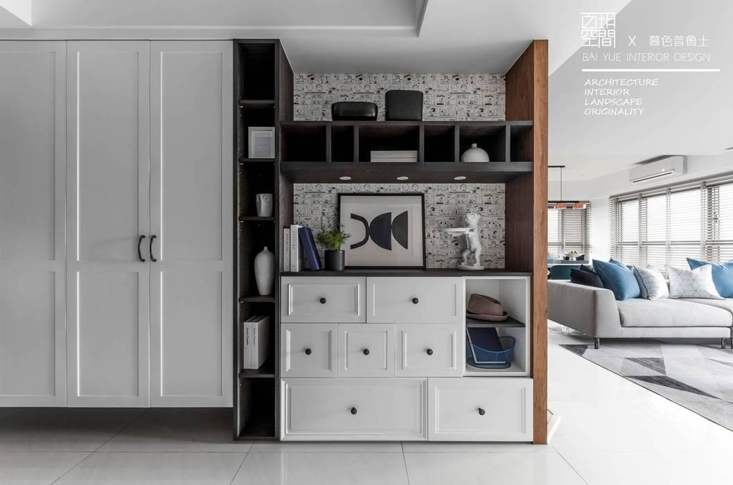 百玥空間設計 ─ 暮色普魯士 百玥空間設計 隨意取材風玄關、階梯與走廊 實木 White