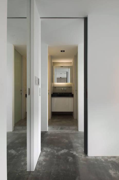 Industrial style bathroom by 邑舍室內裝修設計工程有限公司 Industrial