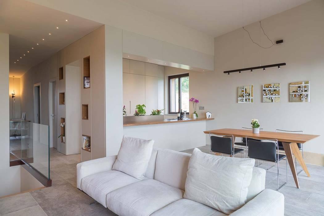 Salas de estilo minimalista de Soffici e Galgani Architetti Minimalista
