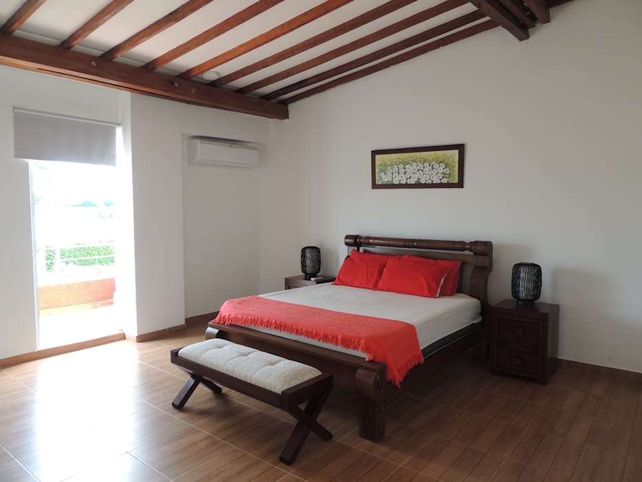 Dormitorios de estilo moderno de CIENTO ONCE INMOBILIARIA Moderno