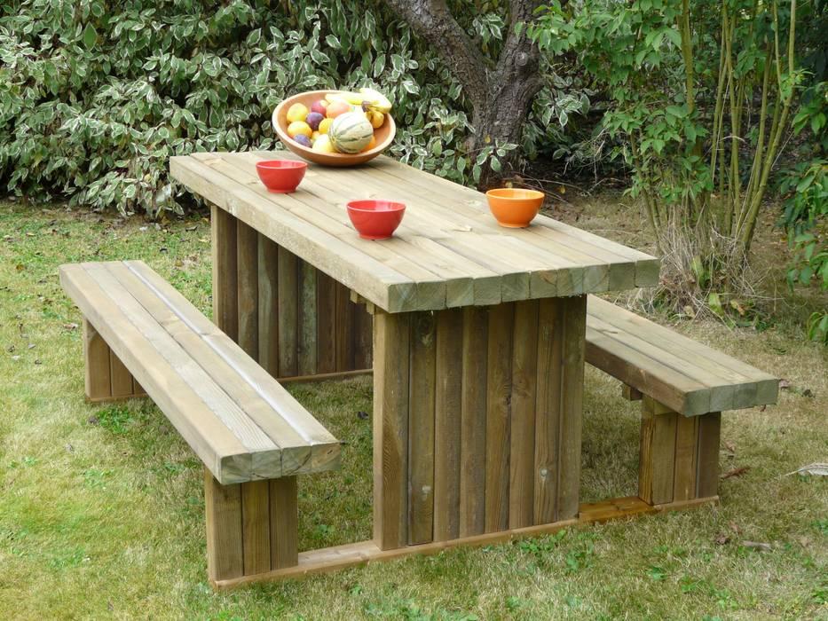 Tavolo PICNIC SOLIDO 180 x 159 cm spessore 90 mm di ONLYWOOD Classico Legno Effetto legno