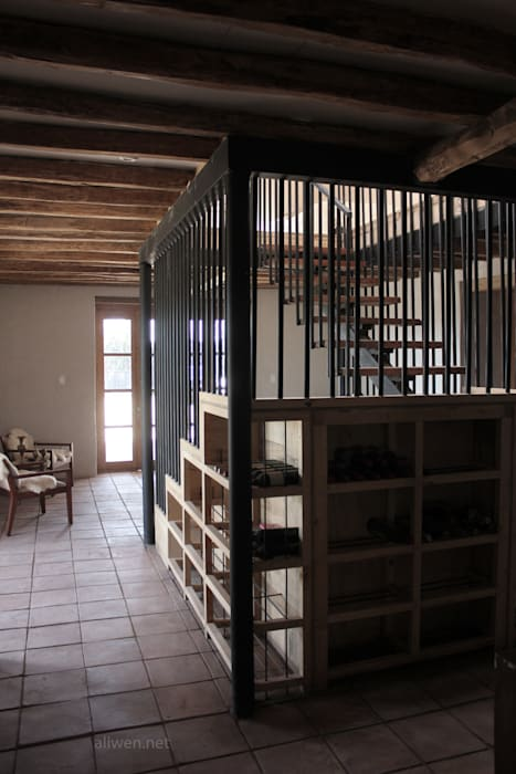 Stairs by ALIWEN arquitectura & construcción sustentable - Santiago, Colonial