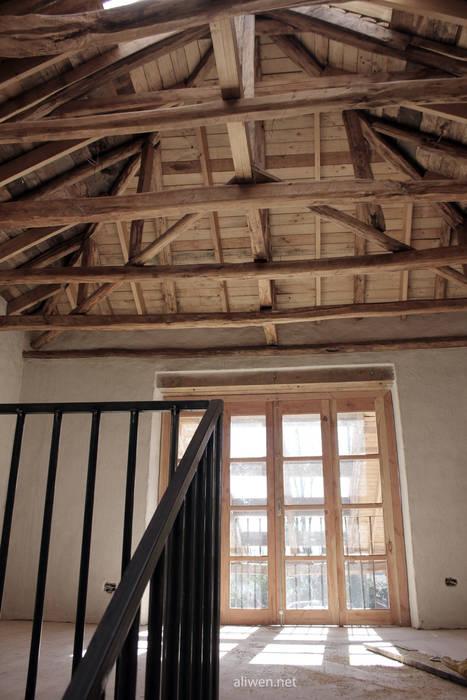 Roof by ALIWEN arquitectura & construcción sustentable - Santiago, Colonial