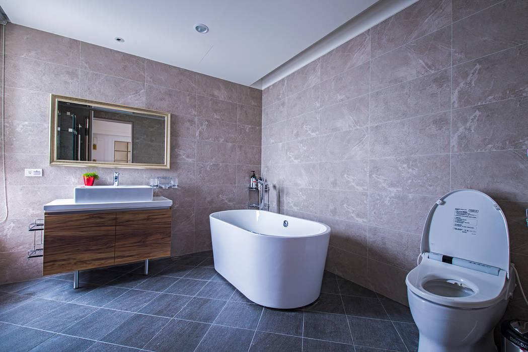 典雅鄉村-霞公錧 Country style bathrooms by 富亞室內裝修設計工程有限公司 Country Tiles