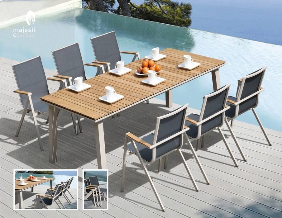 Front yard by CRISTINA AFONSO, Design de Interiores, uNIP. Lda,
