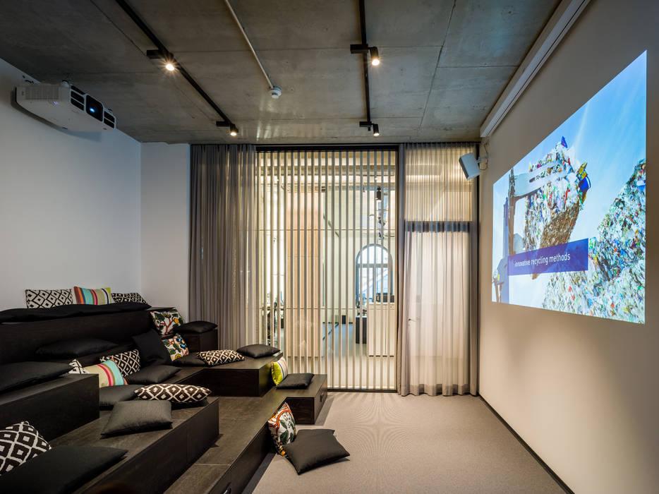 Meeting Area:  Geschäftsräume & Stores von boehning_zalenga  koopX architekten in Berlin