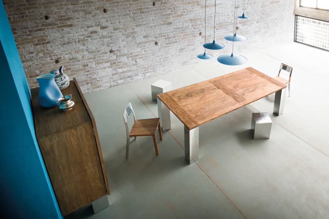 Tavolo NOA: Sala da pranzo in stile  di ELITE TO BE SRL