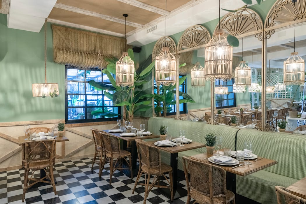 Tropical style dining room by Loema Reformas Integrales Madrid Tropical