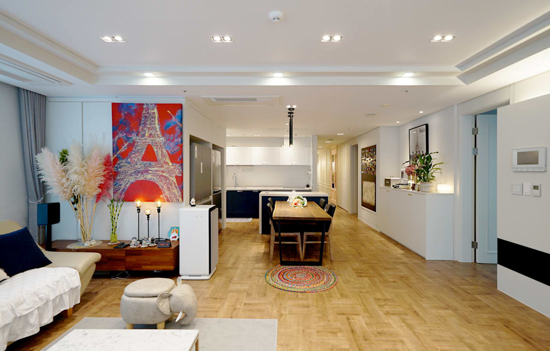컬러풀 뉴트로하우스: 디자인 아버의  거실