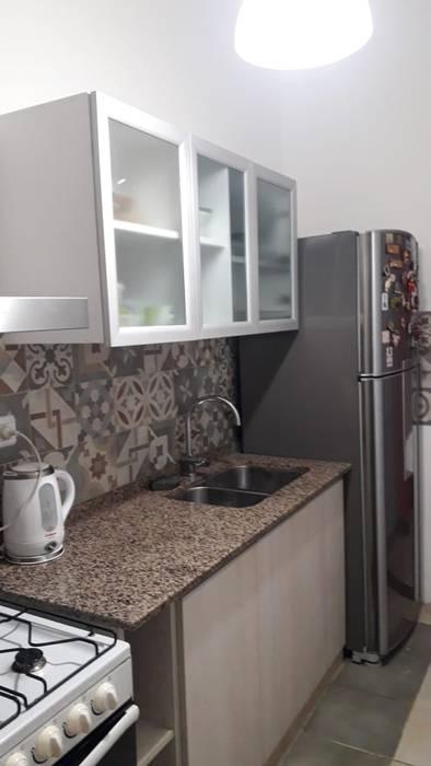 現代廚房設計點子、靈感&圖片 根據 Sofía Lopez Arquitecta 現代風