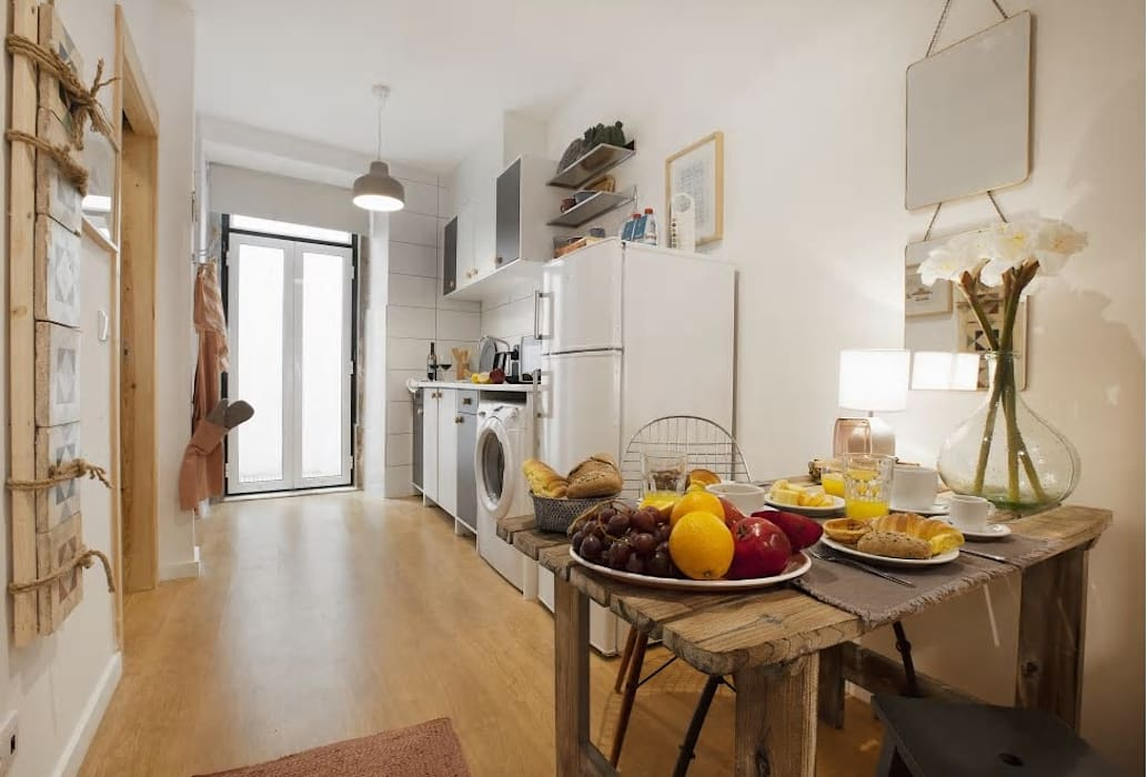Cozinha : Cozinhas pequenas  por Rafaela Fraga Brás Design de Interiores & Homestyling