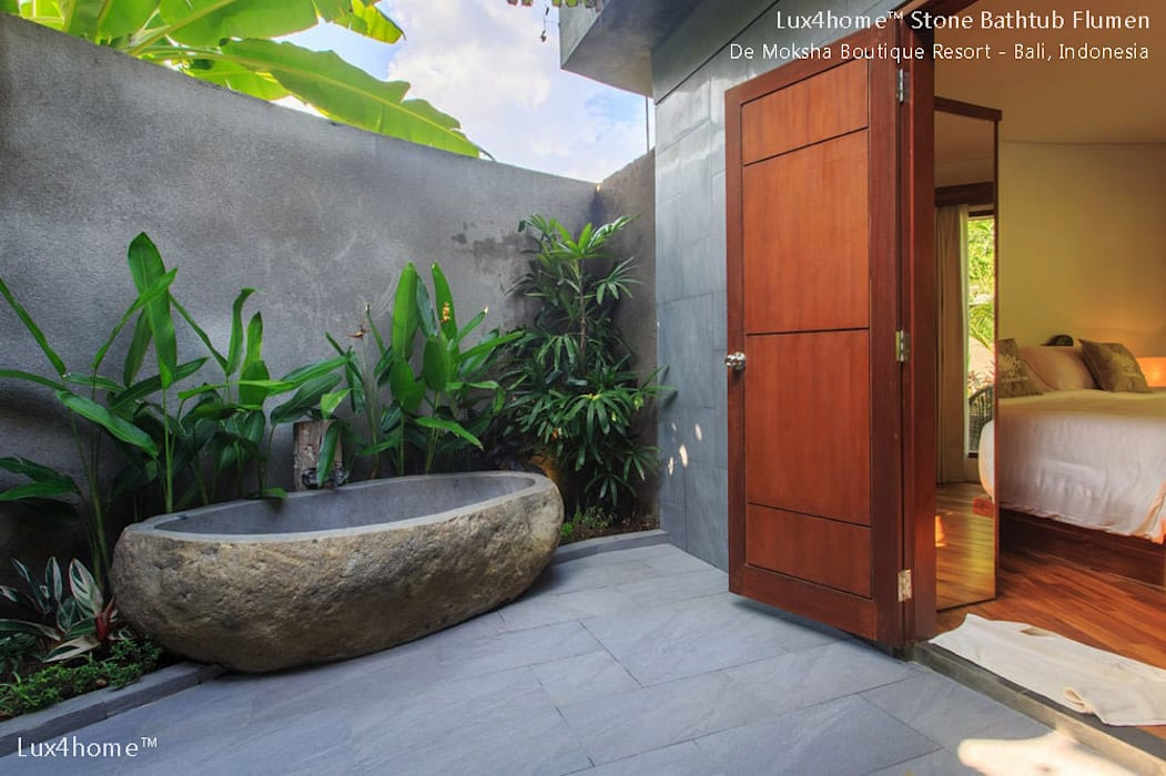 Stone Tube:  Hot tubs by Lux4home™ Indonesia