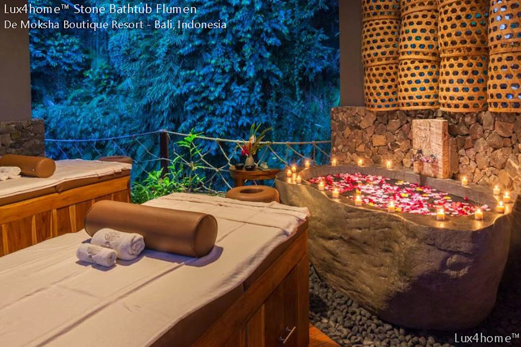 Natural Stone Bathtub:  Hot tubs by Lux4home™ Indonesia, Colonial