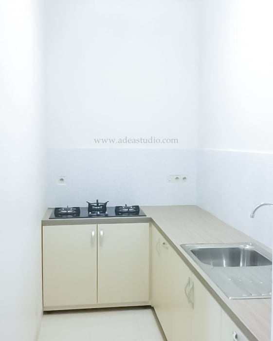 Kitchen: Unit dapur oleh ADEA Studio,