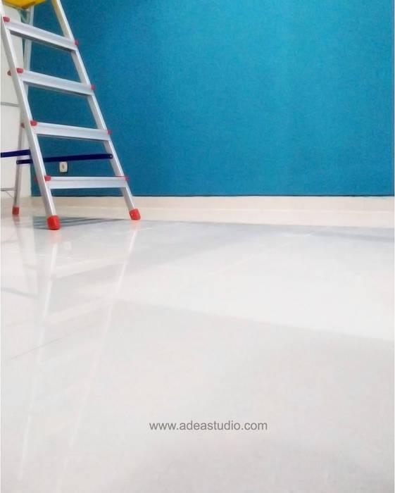 Study Room ADEA Studio Lantai Granit Beige