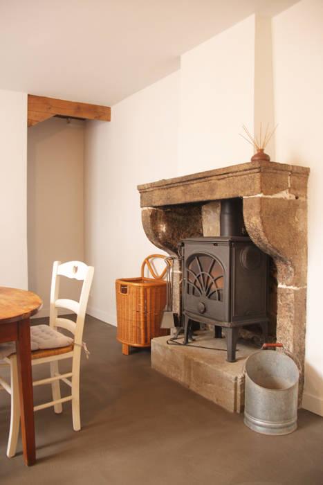 Rénovation de la cuisine d'une maison de village à Montagny par Koya Architecture Intérieure Rustique Pierre