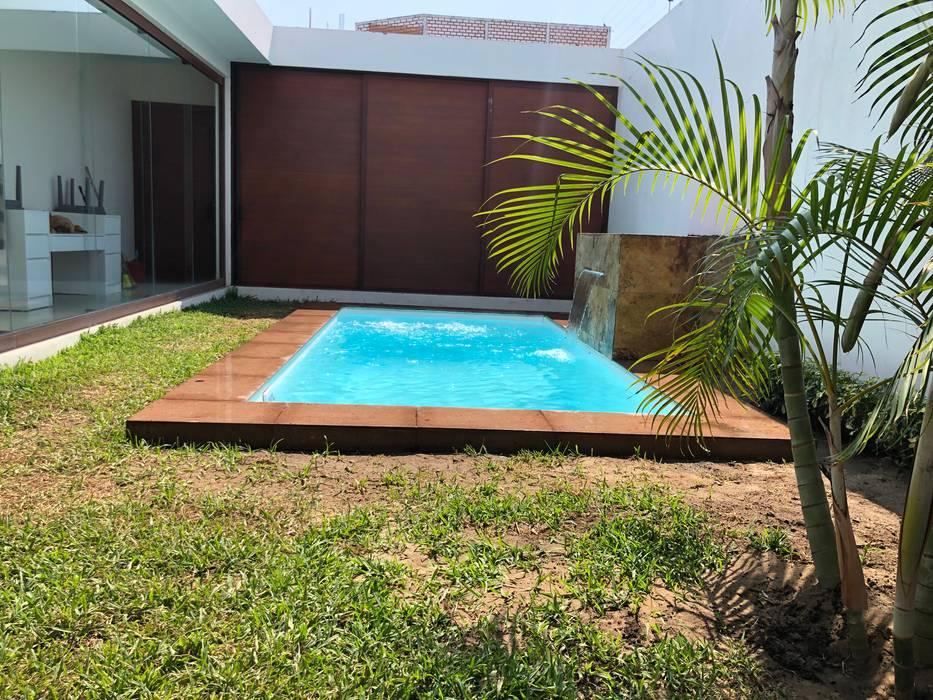Piscina Síkinos: Albercas de jardín de estilo  por glüp Piscinas Veracruz