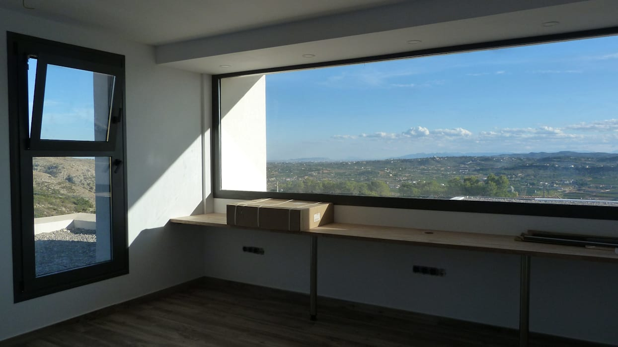 Vistas desde el estudio.: Estudios y despachos de estilo  de Estudio1403, COOP.V. Arquitectos en Valencia, Moderno