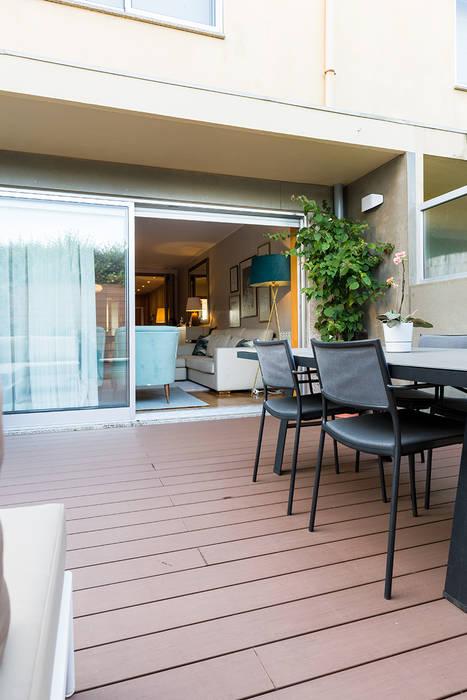 Zona exterior - Moradia em Miramar - SHI Studio Interior Design Varandas, marquises e terraços modernos por SHI Studio, Sheila Moura Azevedo Interior Design Moderno
