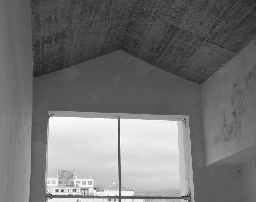 Oleh Estudio Naturaleza Y Urbanismo Modern