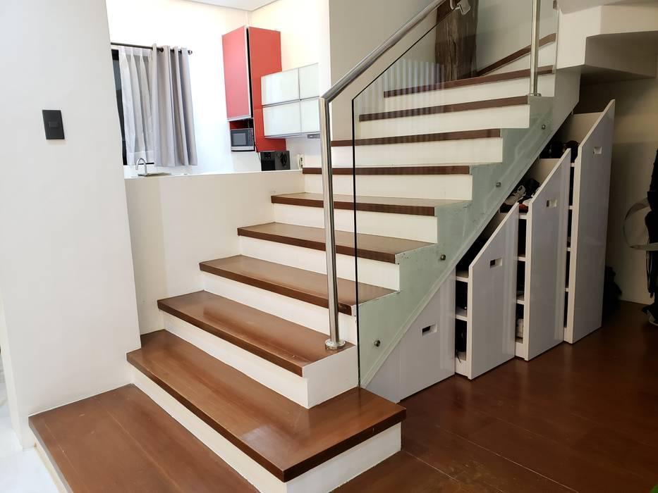 under stairs storage by Geraldine Oliva Tropical