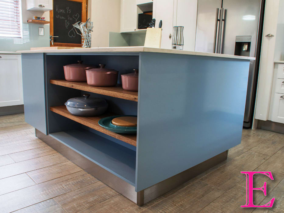 Fresh Modern Country Powder Blue & White Kitchen:  Built-in kitchens by Ergo Designer Kitchens and Cabinetry, Country MDF