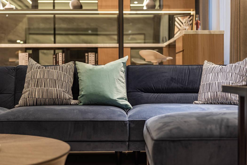 82坪煥然一新 现代客厅設計點子、靈感 & 圖片 根據 珍品空間設計 | JP SPACE DESIGN STUDIO 現代風