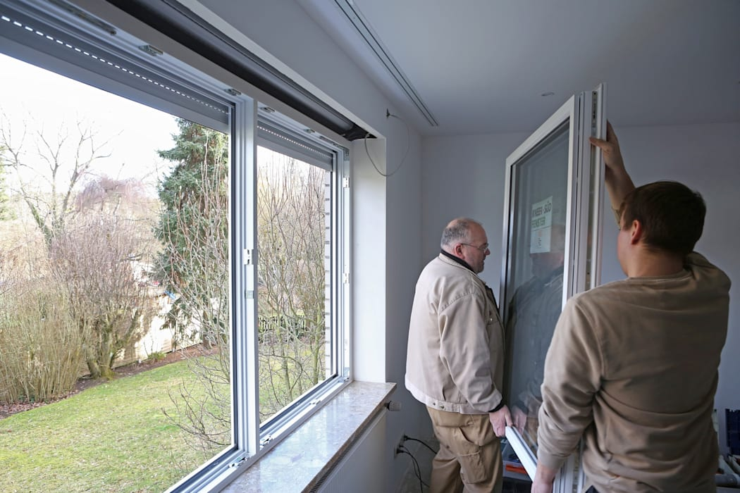 Fenstertausch für mehr Energieeffizienz und Sicherheit Klassische Fenster & Türen von Kneer GmbH, Fenster und Türen Klassisch
