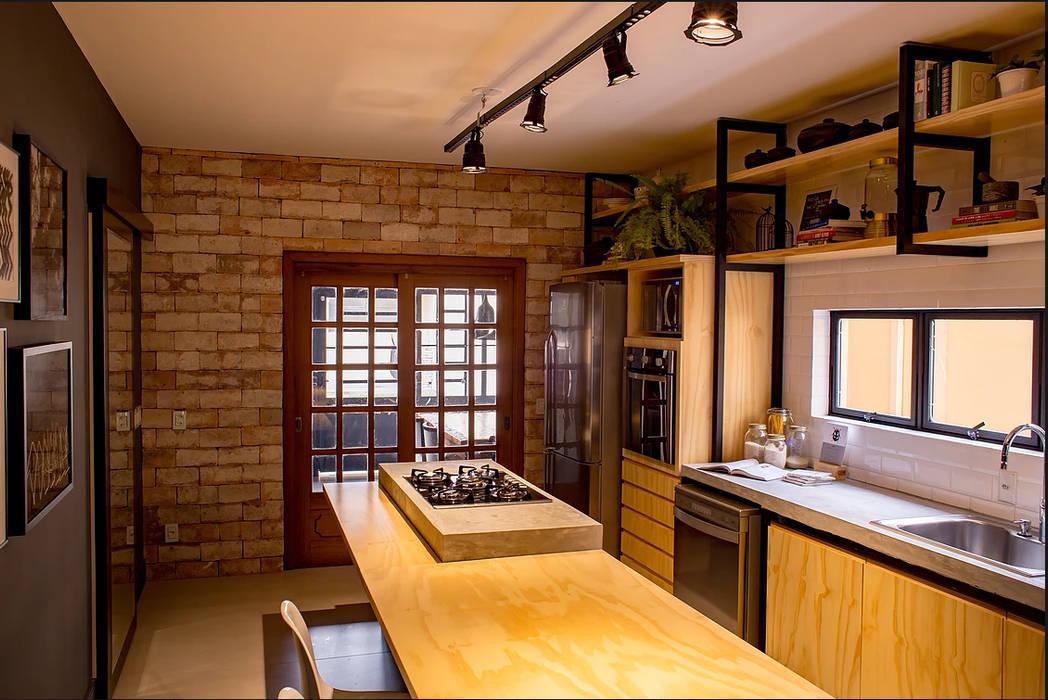 Cozinha para receber: Cozinhas  por BRUNA ZAGONEL ARQUITETURA,Industrial