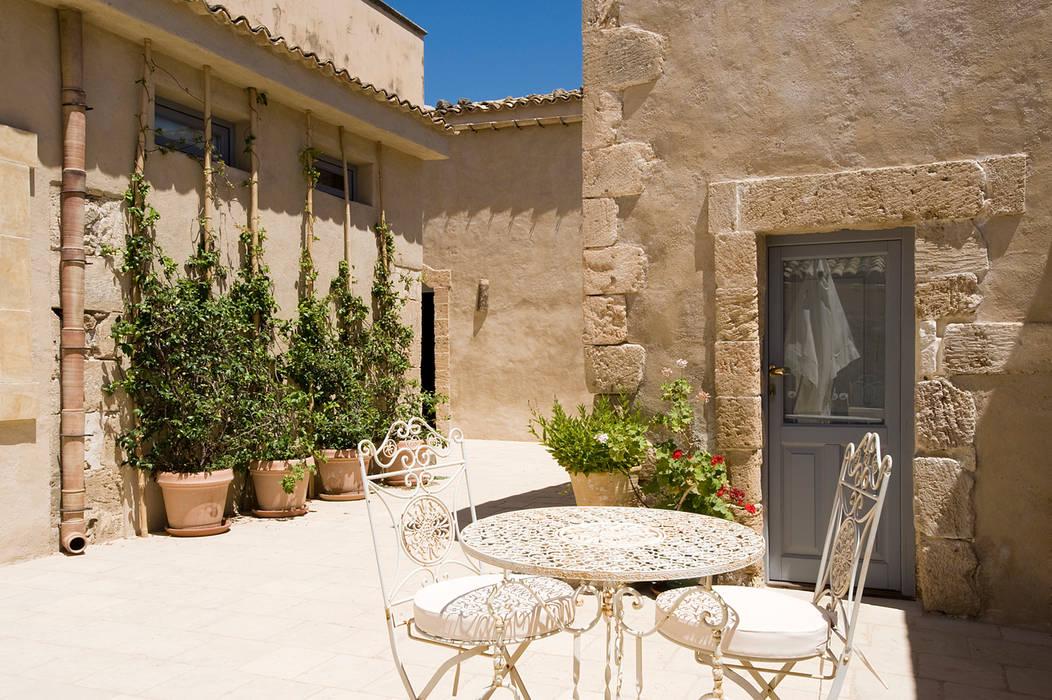 Masseria Vendicari, Sicilia (Giacomo Foti Photographer): Giardino in stile  di Giacomo Foti Photographer, Mediterraneo