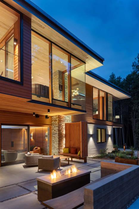 Custom Homes in Ontario Modern terrace by Trevor McIvor Architect Inc Modern
