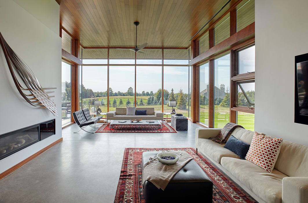 Custom Homes in Ontario Modern living room by Trevor McIvor Architect Inc Modern