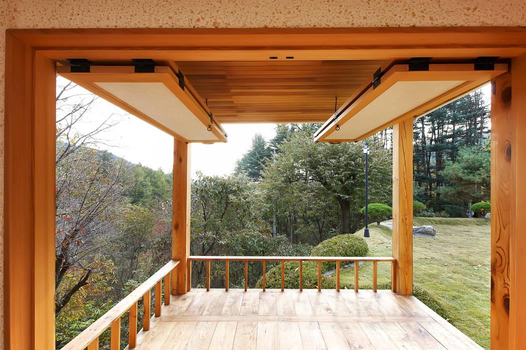 Balcony by 웰하우스종합건축사사무소,