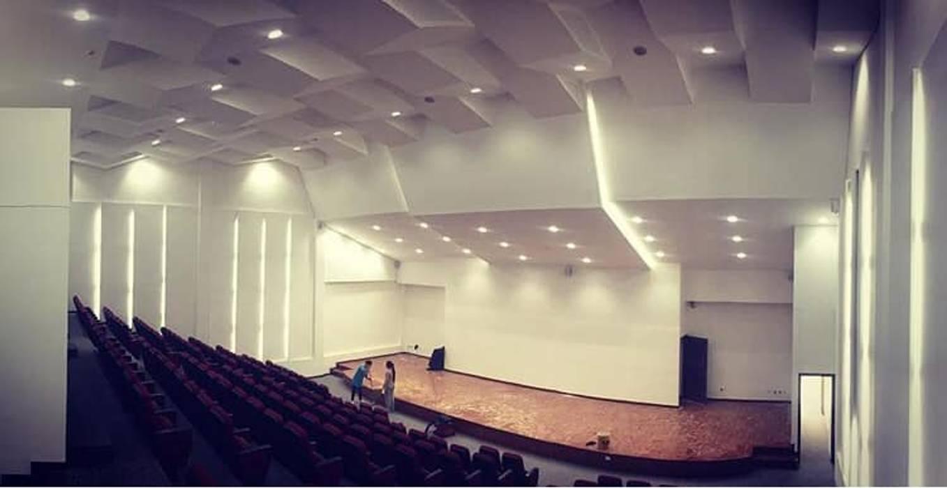 Auditorio Megaludoteca Tocancipa - Cundinamarca Lopez Robayo Arquitectos Salas multimedia de estilo moderno