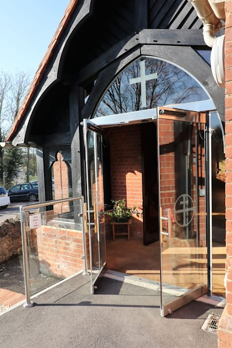 Glass porch with custom designs Country style doors by Ion Glass Country Glass